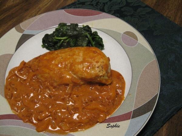 鶏肉のパプリカ煮