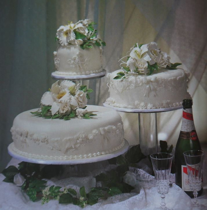 separate wedding cakes