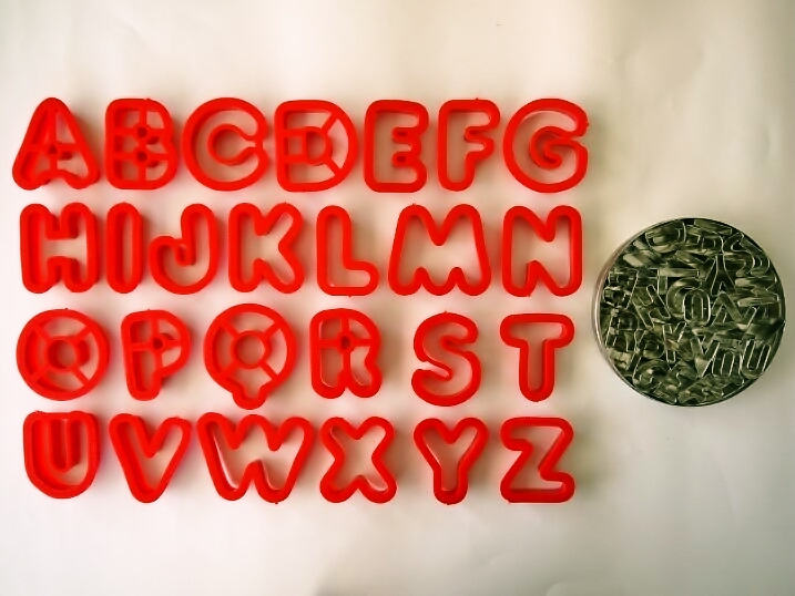 アルファベットのクッキー型