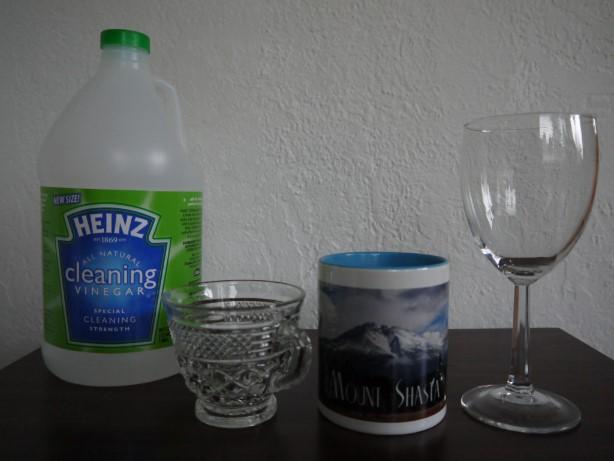 酢でグラスやカップを掃除