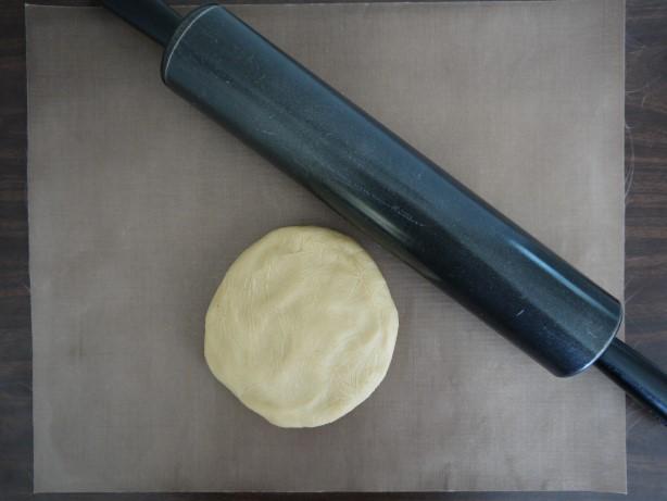 クッキーを型で抜いて作る