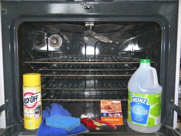 オーブンと掃除用具一式