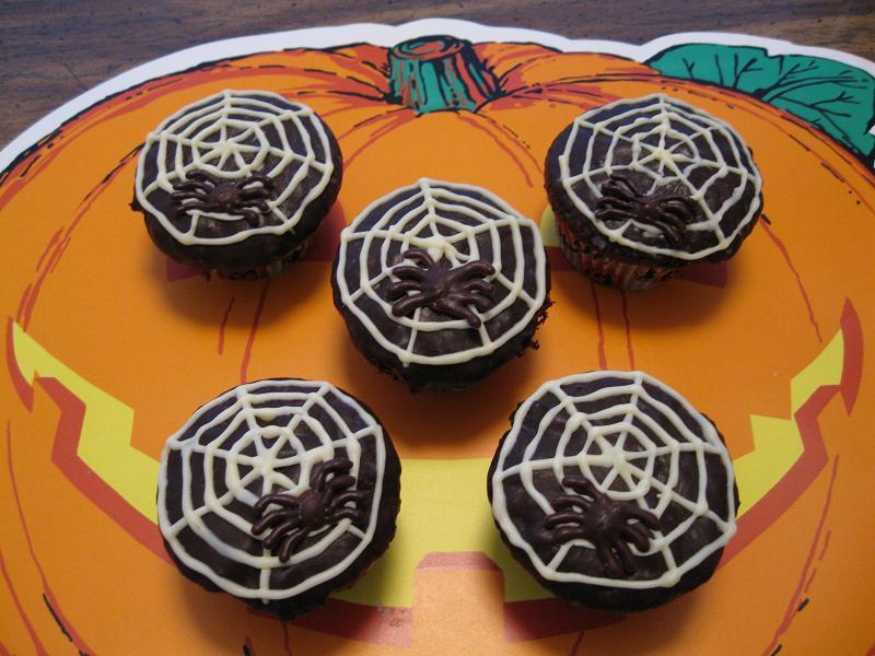 チョコレート・スパイダー・カップケーキ