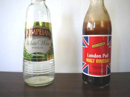 白ワインビネガーとモルトビネガー