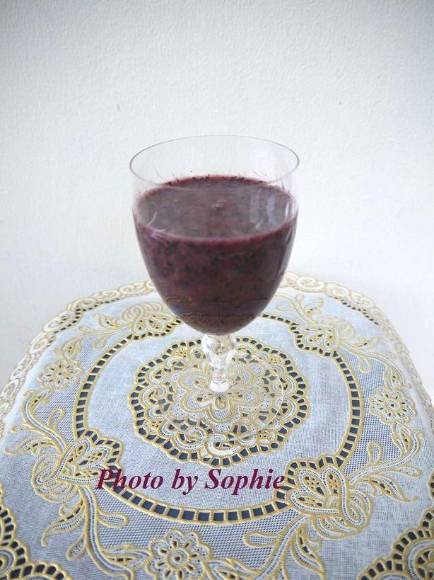 ブルーベリーと赤葡萄のスムージー