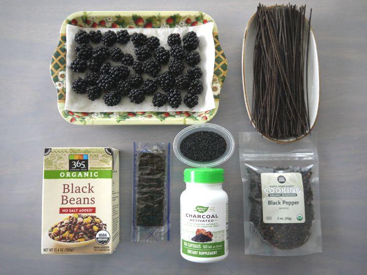 黒い食べ物たち
