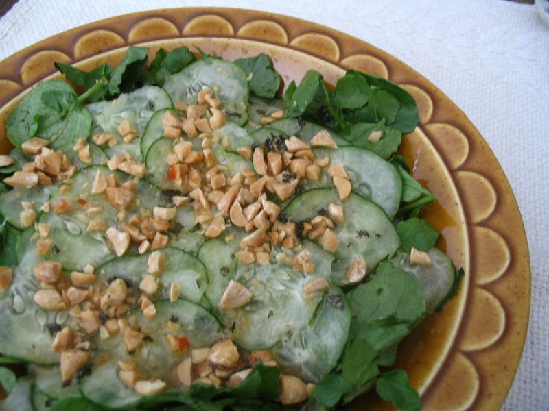 タイのキュウリサラダ